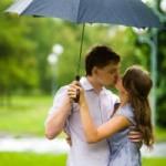 Teen-Couple-Kissing